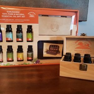 GuruNandaEssential Oils (Set of 8 with case)